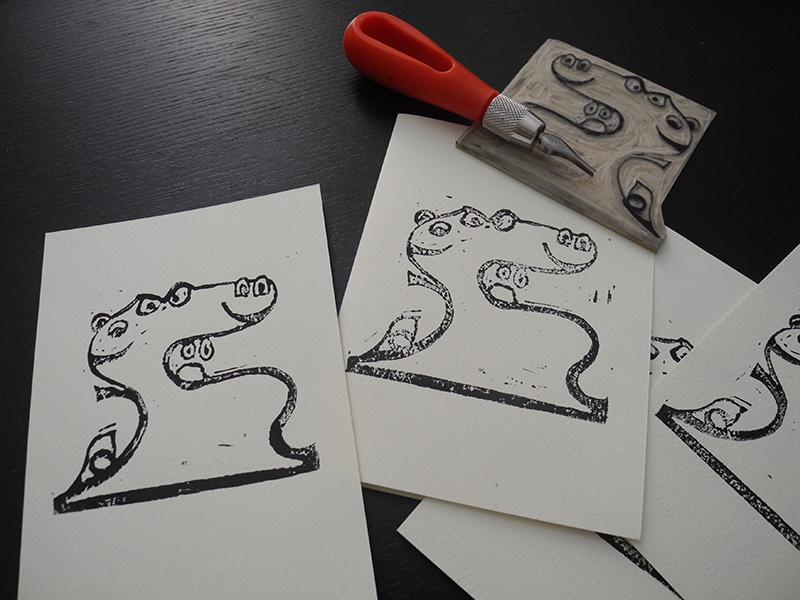 Linocut Emojito - la matrice e le stampe